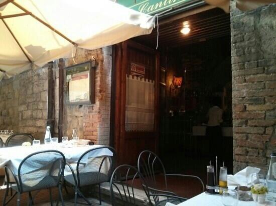 Il Cantinone: ingresso ristorante