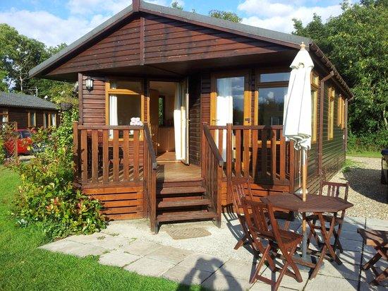 Athelington Hall Log Cabin Holidays: Standard cabin