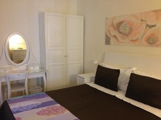 Stanza cicci 39 lato armadio foto di bed and breakfast tre - Stanza armadio ...