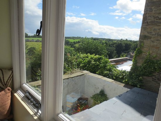 Willance House Guest House: Willance House - from the window seat
