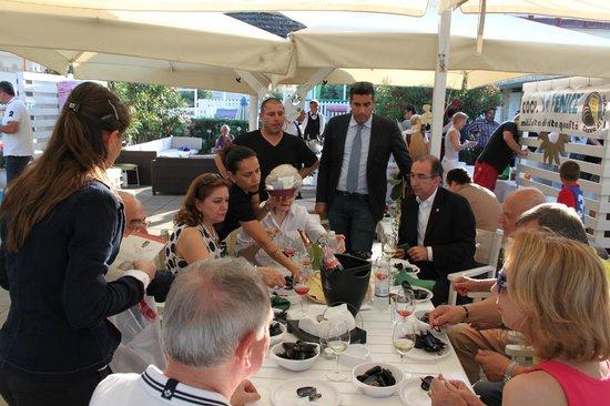 Bagno Corallo: Cozze e Bollicine 2013