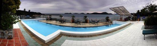 Kantary Bay, Phuket: The roof top pool