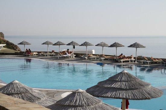 Royal Myconian Resort & Thalasso Spa Center: pool