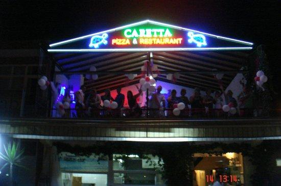 Caretta Pizza Restaurant: The scene from the square