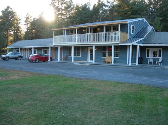 Award winning housekeeping!   Picture of Blue Ridge Motel, Schroon