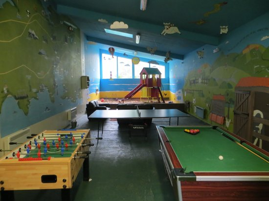 Tredethick Farm Cottages: playbarn