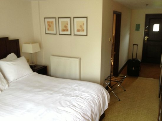St. Pierre Marriott Hotel & Country Club : Room in one of the cottages