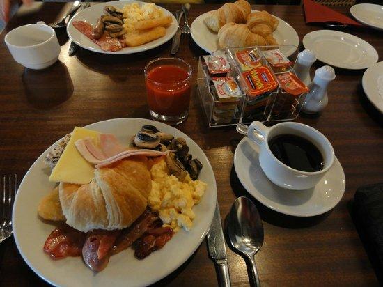 Heartland Hotel Cotswold: Breakfast