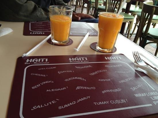 Haiti: Fresh Papaya Juice