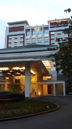 โรงแรมซานติก้า พรีเมียร์ จาการ์ตา: Hotel Outlook