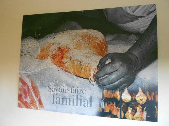 Beierhaascht : Interesting room art?