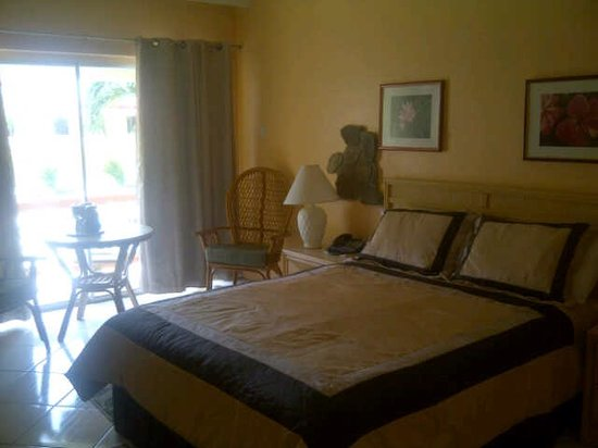 Sunset Shores Beach Hotel : Bedroom