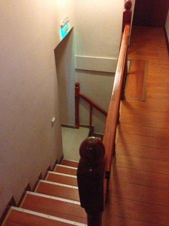 Hotel Tripoli: The very narrow staircase