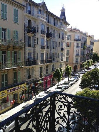 Hotel Mirabeau : балкончик 2го этажа