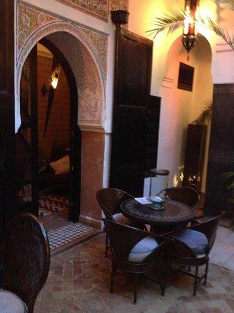 Riad Ta'achchaqa: A cosy corner at the riad.