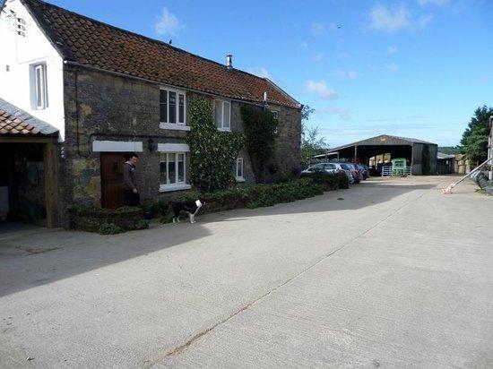 Farfields Farm Bed and Breakfast: Farmhouse