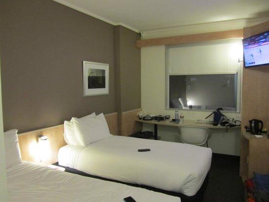 Ibis Sydney Darling Harbour: Standard Room