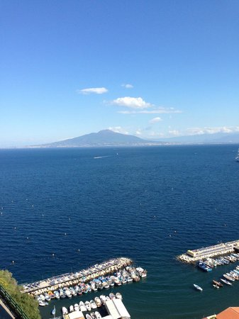 Hotel Bristol: View over Bay of Naples