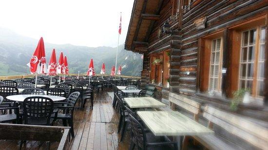 Restaurant Pfingstegg: Deck at Pfingstegg Berghaus - probably better on a sunny day