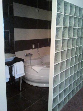 BEST WESTERN Hotel Continental : salle de bain