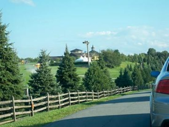 Bethel Woods Center for the Arts: Approaching Bethel Woods to see Sting and the Royal Philharmonic Orchestra