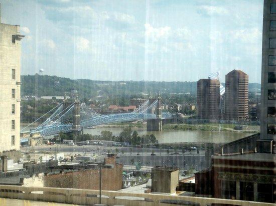Hyatt Regency Cincinnati : Overlooking the Ohio River