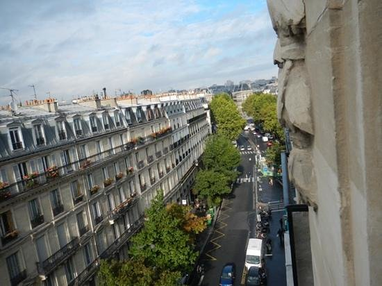 Paris France Hotel: view from basic room