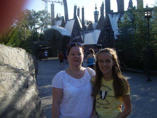 The Wizarding World of Harry Potter: snow covered buildings in august???