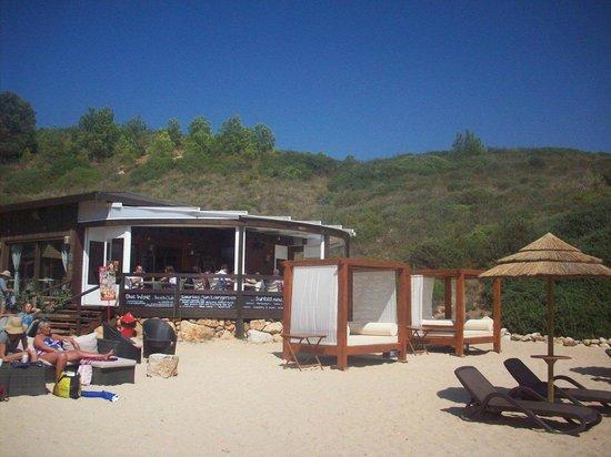 Blue Wave Beach Club : Beach & Club