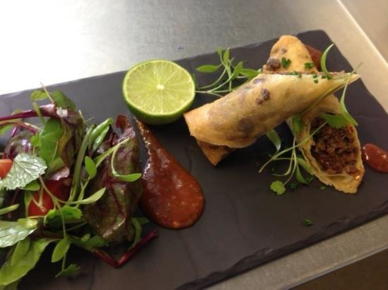 L'Experience: Moroccan spring rolls