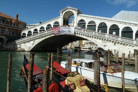 Hotel Toledo: Rialtobrücke in Venedig