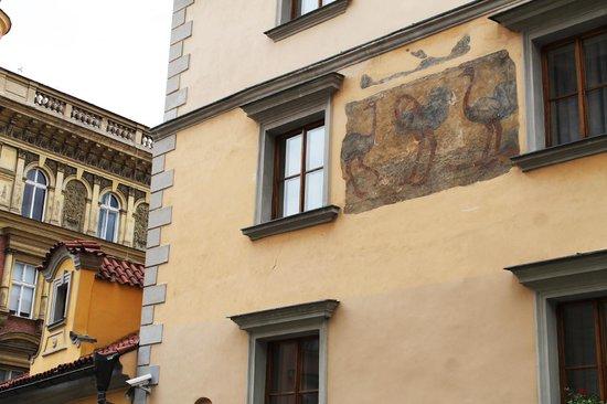 Hotel U Tri Pstrosu (At the Three Ostriches): Exterior