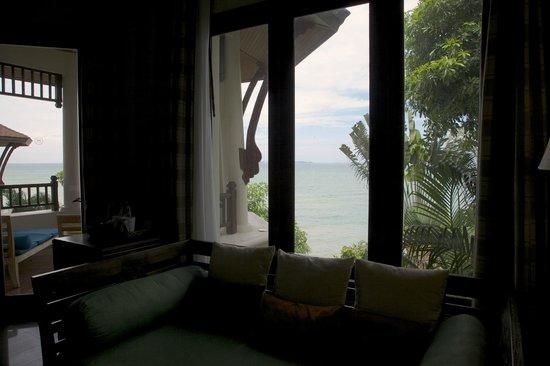 อินเตอร์คอนติเนนตัล พัทยา รีสอร์ท: Sea view from pavilion's interior.