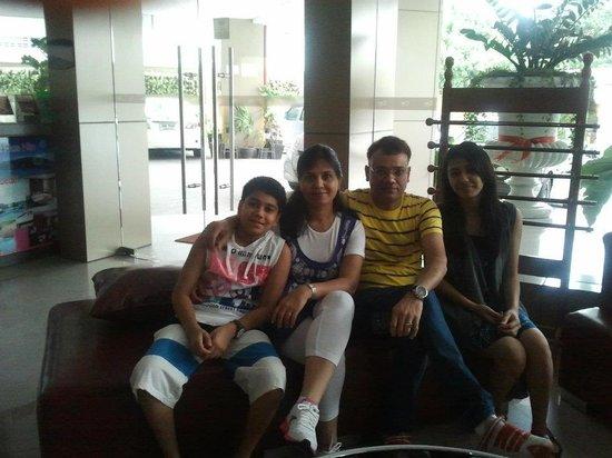 Pattaya Loft Hotel: at hotel lobby