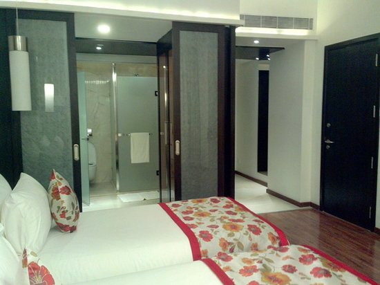 E Hotel: from bed