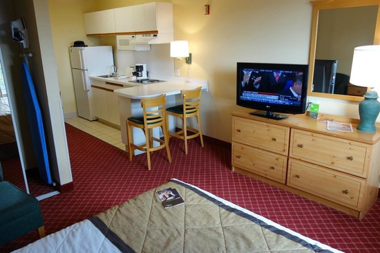 Extended Stay America - Minneapolis - Airport - Eagan - North: Second floor room, September 2013