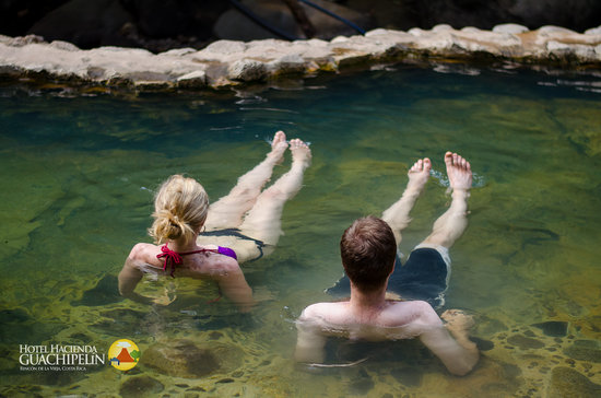 Hacienda Guachipelin: Hot springs