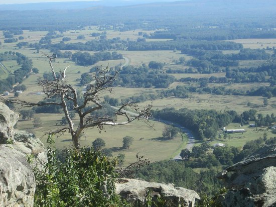 Petit Jean State Park: view over Valley
