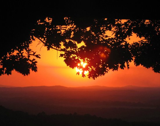 Petit Jean State Park: Sunset from lodge