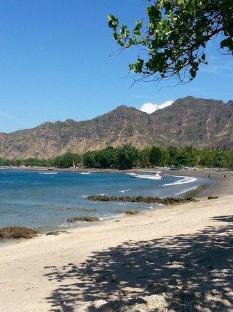 Taman Selini Beach Bungalows: La plage de Pemuteran