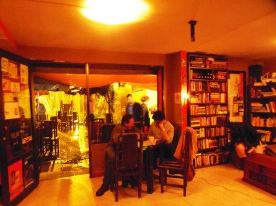 Tinto Tintero: Book Exchange