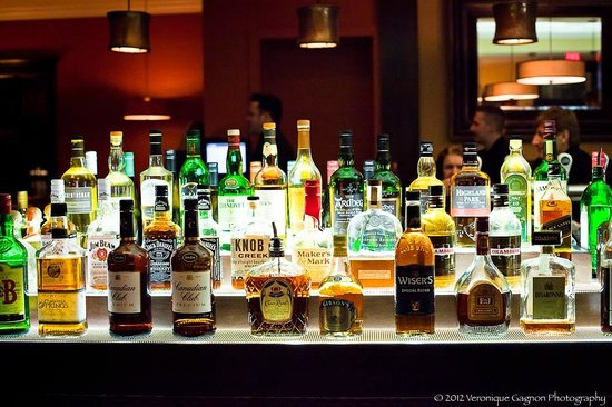 The Mix by Ric's - Sooke: back bar