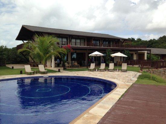 Pousada OKA da MATA: Pool and dining Area