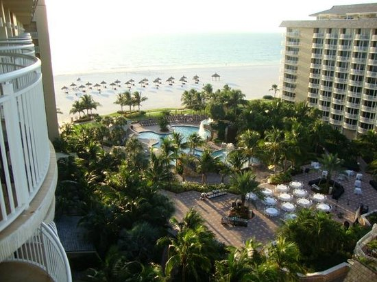 JW Marriott Marco Island Beach Resort : View from room overlooking the family pool