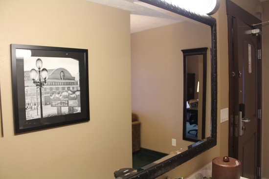 La Quinta Inn & Suites Seattle Downtown: Vanity Area