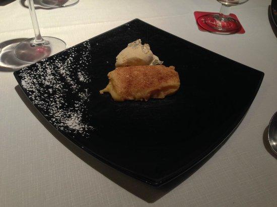 Nicomedes: ¨Fried¨milk, cinnamon icecream, Cointreau gelée/ Leche frita. helado de canela y gelée de Cointr