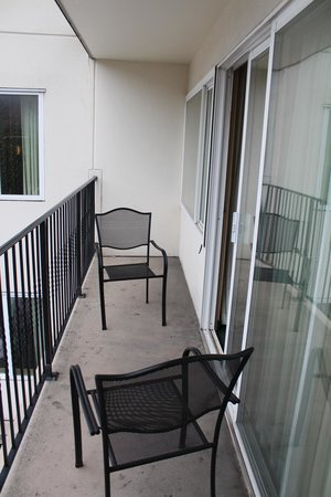 La Quinta Inn & Suites Seattle Downtown: Balcony with City Views