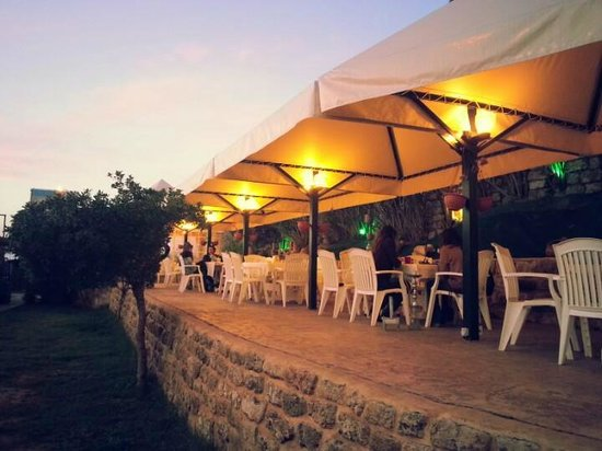 Beit Al Samak: Outdoor Terrace