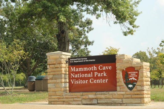 Mammoth Cave National Park: Visitors Center