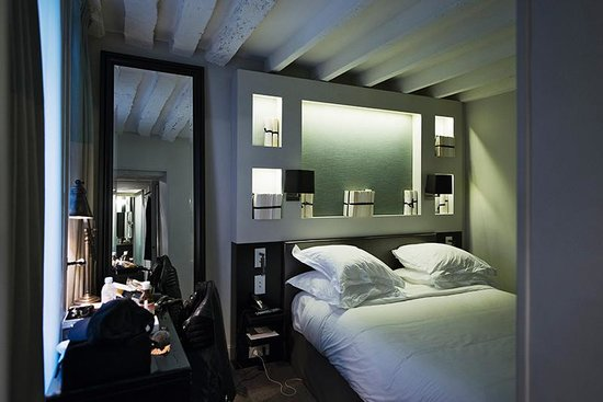 Hotel Verneuil : Club Room 101